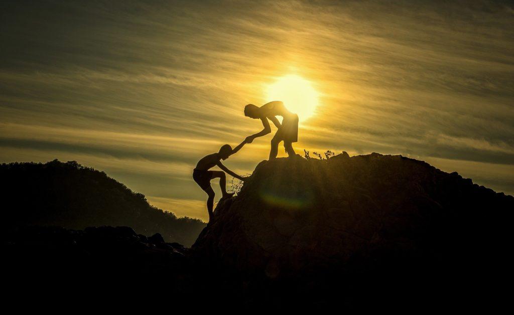 その2|部下に「気づき」を与えることが必要|登りつめる写真|部下育成に発達心理学を応用する|KEN'S BUSINESS