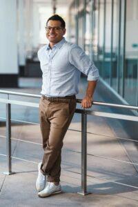 実業家イメージの男性写真|KEN'S BUSINESS|ケンズビジネス|職場問題の解決サイト