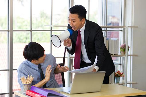 主張の強い職場の人|KEN'S BUSINESS|ケンズビジネス|職場問題の解決サイト中間管理職・サラリーマン・上司と部下の「悩み」を解決する情報サイト